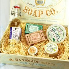 The Handmade Soap Co. Gift Box - Pamper Kit is the perfect gift for showing the most important women in your life how much you love them! Check out the Handmade Soap Co. products at ClassicShaving.com