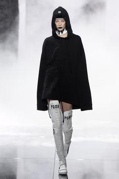 White thigh-high boots from Puma x Fenty, by Rihanna. Hip Hop Fashion, Love Fashion, Runway Fashion, Fashion News, Korean Fashion, Fashion Models, Girl Fashion, Fashion Outfits, Sport Fashion