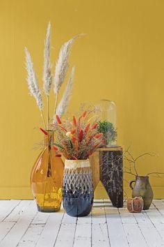 Cute Room Decor, Color Schemes Colour Palettes, Yellow Walls, Closet Designs, Beautiful Wall, Living Room Inspiration, Bedroom Colors, Home Living Room, Wall Colors