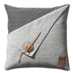 Grey Pillows, Down Pillows, Throw Pillows, Burlap Pillows, Cushion Cover Designs, Diy Cushion Covers, Knitted Cushion Covers, Cushion Ideas, Sewing Pillows