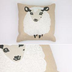 Capa de Almofada Ovelha Branca 40 x 40 cm | A Loja do Gato Preto | #alojadogatopreto | #shoponline | referência 89467389