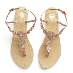 Perfectly pretty rose gold sandals for the beach bride! By Bella Belle Shoes. | http://emmalinebride.com/planning/rose-gold-wedding-ideas/