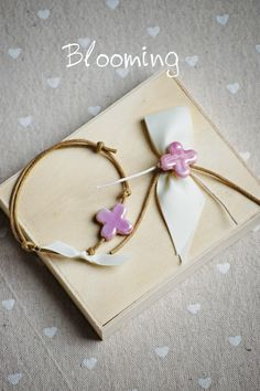 Crafts Beautiful, Christening, Ideas Para, Mason Jars, Diy And Crafts, Beautiful Pictures, Bloom, Gift Wrapping, Baby Shower