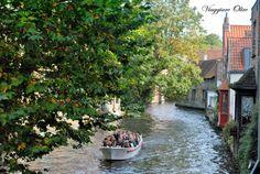 Giacca, macchina fotografica e una gran voglia di esplorare: venite con me a #Bruges?  #viaggi #fiandre