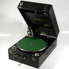Gramophone - Columbia Grafonola Model 109A Ca 1928