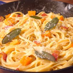 Bacon Butternut Squash Pasta Recipe - We Hope You Made Enough For Seconds! Bacon Pasta Recipes, Veggie Recipes, Cooking Recipes, Butternut Squash Pasta, Roasted Butternut, Easy Skillet Dinner, Skillet Dinners, Supper Recipes, Vegetable Dishes