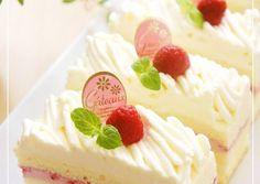 Strawberry Mont Blanc Shortcake Recipe by cookpad.japan – Cookpad Strawberry Mont Blanc Shortcake Recipe by cookpad. Mini Desserts, Dessert Crepes, Shortcake Recipe, Raspberry Syrup, Chocolate Orange, Strawberry Recipes, Strawberry Cakes, Sponge Cake, Cake Mold