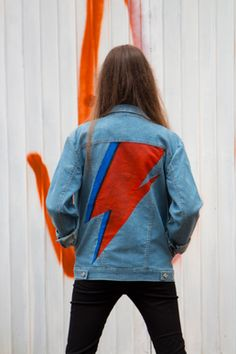 Jaqueta jeans pintada a mão. Handpainted denim jacket. Bowie tribute.
