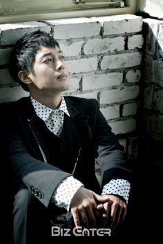 Kim Hyun-joong, no wings are needed to fall