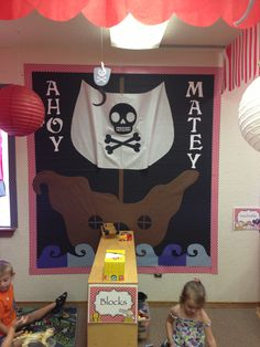 Bullentinboard preK pirate theme Pirate Bulletin Boards, Pirate Theme, School Themes, Anchor Charts, Classroom Decor, Little Ones, School Stuff, Pirates, Diy Crafts