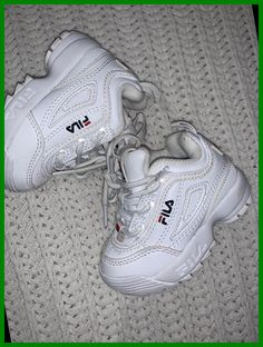 Cute Baby Shoes, Cute Baby Girl Outfits, Baby Boy Shoes, Cute Baby Clothes, Fila Kids Shoes, Toddler Girl Shoes, Girls Shoes, Baby Sneakers, Girls Sneakers