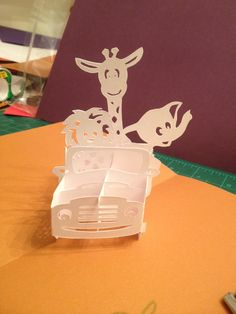 """Animals in a jeep - sliceform pop-up card (Template from """"cahier de kirigami Moyens de Transport"""") Origami And Kirigami, Origami Paper, 3d Cards, Pop Up Cards, Kirigami Patterns, Sliceform, Baby Baby Baby Oh, Tarjetas Pop Up, Origami Architecture"""