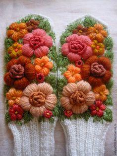 """Купить Варежки с вышивкой """"Янтарь"""" - цветочный, варежки, варежки с вышивкой, вышивка, объемная вышивка, цветы"""