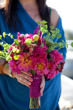 How to make a professional looking wild flower wedding bouquet.- I love having flowers in the house