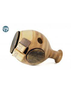 Udu Wood Majid Este instrumento es un nuevo tipo de UDU. El desarrollo Majid Karami y Behnam Samani. Madera de Fresno, menbranas de pescado y piel.