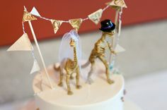 Oh-too-cute Dino cake toppers! Wedding Sweets, Wedding Pins, Wedding Blog, Diy Wedding, Wedding Ideas, Wedding Stuff, Dinosaur Cake Toppers, Dino Cake, Wedding Cake Toppers