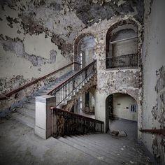 20 lugares abandonados dignos de FILME! ~ Pêssega d'Oro