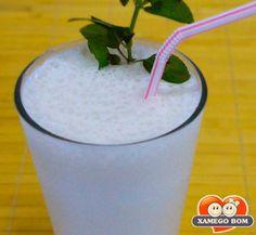 Suco de Graviola Glass Of Milk, Drinks, Blue Lagoon, Recipes, Nice, Juice, Food, Drinking, Beverages
