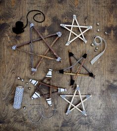 Rustic and Modern Twig Stars - learn how to make them! - With just some twigs, ribbon and baker's twine, you can decorate your home and tree for the holidays with these Rustic or Modern Twig Stars! Christmas Ornament Crafts, Wood Ornaments, Christmas Projects, Christmas Crafts, Christmas Decorations, Natural Christmas, Rustic Christmas, Christmas Diy, Christmas Branches