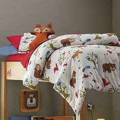 Our Woodland kids' bedding is covered with all your child's favorite forest friends, including bears, foxes, moose, eagles, owls, squirrels, wolves and more.