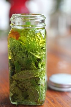 DIY peppermint oil - so many uses! Hair masks, cooking, even moisturiser!