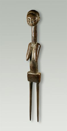Africa | Hair pin from the Tchokwe people of DR Congo | Mid 1900s | Wood