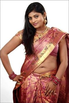 Actress Sowmya Hot Navel Show In Saree Photos Beautiful Girl In India, Beautiful Blonde Girl, Most Beautiful Indian Actress, Beautiful Girl Image, Beautiful Saree, Beautiful Roses, Indian Navel, Desi Girl Image, Indian Girl Bikini