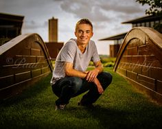 © Paul Toepfer Photography Seniors, Color Inc Pro Photo Lab, pic of the day, senior boy portrait pose