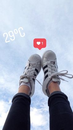 Pinned by: ☾OohmyJupiterr Aesthetic Images, Aesthetic Grunge, Aesthetic Photo, Foto Instagram, Instagram Feed, Instagram Story, Picture Poses, Photo Poses, Girl Pictures