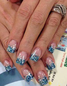 30 Trending Nail Arts For 2018 nageldesign holiday nails gel French Nail Designs, Pretty Nail Designs, Winter Nail Designs, Christmas Nail Designs, Nail Art Designs, Nails Design, Xmas Nails, Holiday Nails, Christmas Nails 2019