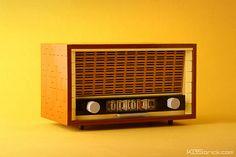 Vintage Radio   ▬▬▬▬▬▬▬▬▬▬▬▬▬▬▬▬▬▬▬▬▬▬▬▬▬▬▬ Finally! The las…   Flickr