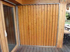volet persiennes en bois closes
