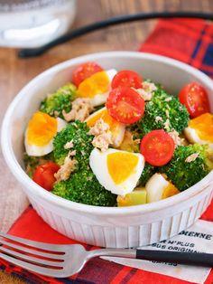 デパ地下デリ風♪『ブロッコリーと卵とツナのごまマヨサラダ』 by Yuu 「写真がきれい」×「つくりやすい」×「美味しい」お料理と出会えるレシピサイト「Nadia   ナディア」プロの料理を無料で検索。実用的な節約簡単レシピからおもてなしレシピまで。有名レシピブロガーの料理動画も満載!お気に入りのレシピが保存できるSNS。