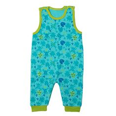 The maternity package contains baby clothes as well as care products and materials. There are altogether 60 different items in the box. Romper Suit, Maternity, Rompers, Suits, Kid Stuff, Cotton, Clothes, Fashion, Outfits