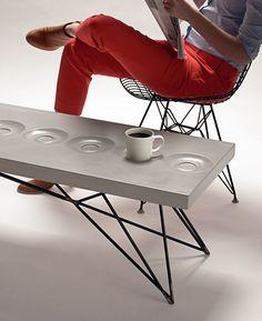 Brandon Gore Coffee Saucer Concrete Table. / bontool.com