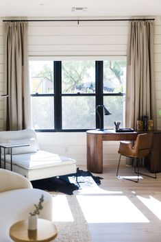 Home Living Room, Apartment Living, Living Room Decor, Living Spaces, Workspace Design, Office Interior Design, Interior Design Inspiration, Living Room Inspiration, House Design