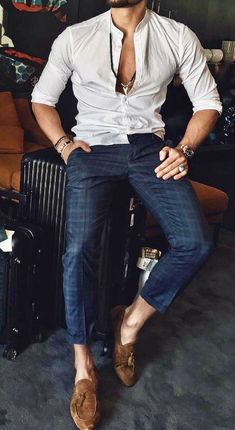 Sexy style for men! White button down shirt with blue pants and brown loafers. Men's Blue Pants, Blue Pants Outfit, White Shirt Outfits, Mens Dress Pants, Pant Shirt, Men Dress, Blue Denim Shirt, Mens Wardrobe Essentials, Gents Kurta