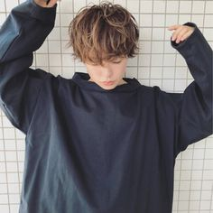 Long To Short Hair, Short Hair Cuts, Short Hair For Girls, Tomboy Hairstyles, Hairstyles With Bangs, Shot Hair Styles, Curly Hair Styles, Androgynous Hair, Androgyny