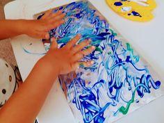 Vyzkoušeli jsme malování na celofán a dceru moc bavilo. Na této aktivitě je super, že se hodí jak pro úplná mrňata, která mohou jen patlat rukama, tak i pro větší děti. Podrobný postup na blogu. Lily Pulitzer