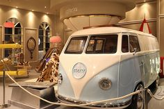 Maison et Objet Paris 2017 was indeed very fun thanks to Circu's exhibtion. The brand showcased the dazzling Ban Van Bed, that turns any adventure a little bit more fun and real!