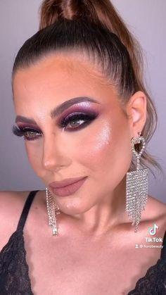 Insta Makeup, Eye Makeup, Strawberry Cake Pops, Asian Make Up, Red Eyeshadow, Style Instagram, Makeup Transformation, Natural Make Up, Beauty Make Up