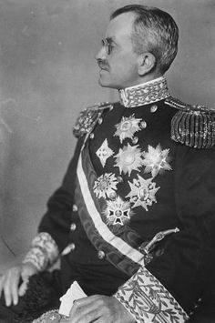 Baron Giacomo de Martino (Berne, September 7, 1868 - Rome, June 25, 1957) Italian Ambassador to Berlin (1919-20), London (1920-22), Tokyo (1922-25) and Washington (1925-32). Senator of the Kingdom from 1928 to 1944, when he was revoked along with other senators considered co-responsible of fascism. With the advent of the Republic, De Martino retired from public life and died in Rome June 25, 1957.