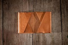 Beautiful handcrafted wallet / cardholder, made with vegetable tanned leather.