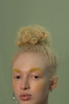 Photography Takeuchiss Model Thais Borges at Allure Management Hair & Make-Up Sue Abreu Make Up Inspiration, Portrait Inspiration, Spiritual Inspiration, Inspiration Quotes, Writing Inspiration, Motivation Inspiration, Character Inspiration, Travel Inspiration, Fashion Inspiration