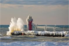 South Haven Michigan Lighthouse-1...would love to see it this way, too!