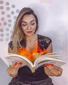 Camilla Amaral, Fotos Do Instagram, Creative Photos, Bookstagram, Photoshoot, King, Stylish, Photography, Inspiration
