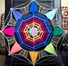 Yarn Crafts, Diy And Crafts, Mandala Yarn, Dream Catcher Art, Gods Eye, Thread Art, Embroidery Jewelry, Horse Art, String Art