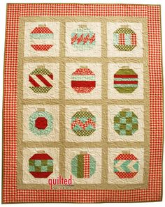 fun Christmas quilt and looks easy to do (link doesn't match this quilt anymore but this would be easy to duplicate without a pattern.)