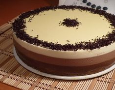 Tarta Tres Chocolates (Thermomix) Chocolate Topping, Chocolate Cake, Chocolate Thermomix, Crepes, Sweet Recipes, Tiramisu, Mousse, Fondant, Cheesecake