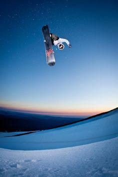 #FlyingFriday | via @Red Bull